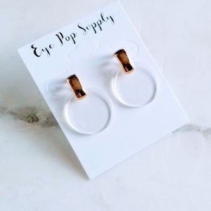 Jewelry - Lucite Clear and Gold Resin Earrings